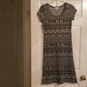 A long dress short sleeve shirt